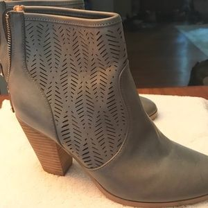Report Devaney Ankle Bootie, Size 8.5, Gray